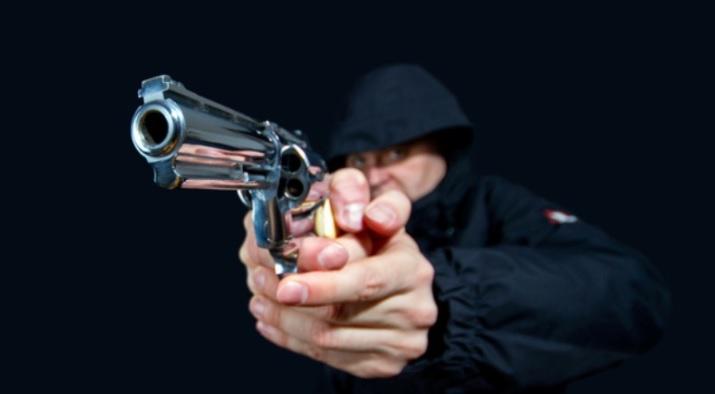 https: img.okezone.com content 2020 12 02 512 2320540 dramatis-brimob-turun-tangan-tangkap-pelaku-penembakan-brutal-di-solo-pYGCgMGxvl.jpg