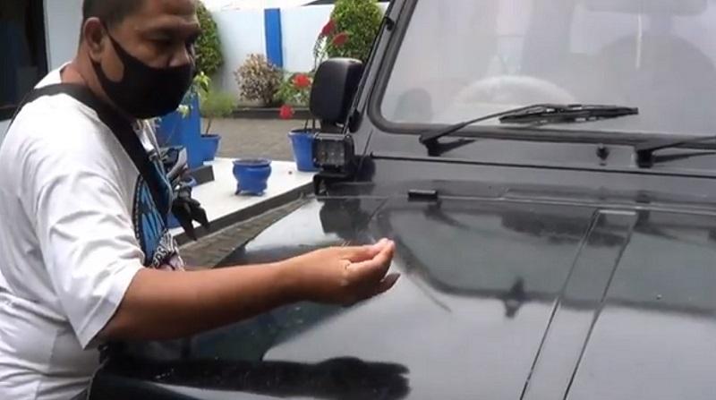 https: img.okezone.com content 2020 12 02 519 2319859 warga-banyuwangi-dikejutkan-paparan-hujan-abu-erupsi-gunung-semeru-pu9mivm2CL.jpg