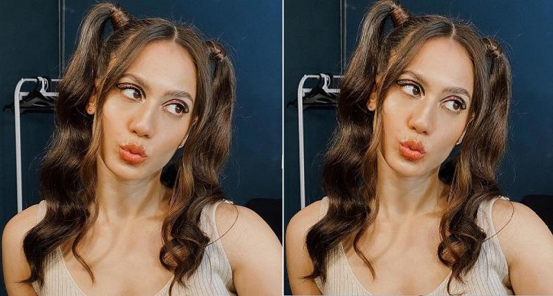 https: img.okezone.com content 2020 12 03 194 2321218 gemasnya-pevita-pearce-pakai-tanktop-dan-makeup-memesona-netizen-gak-ada-obat-A7gfYwJNiV.jpg