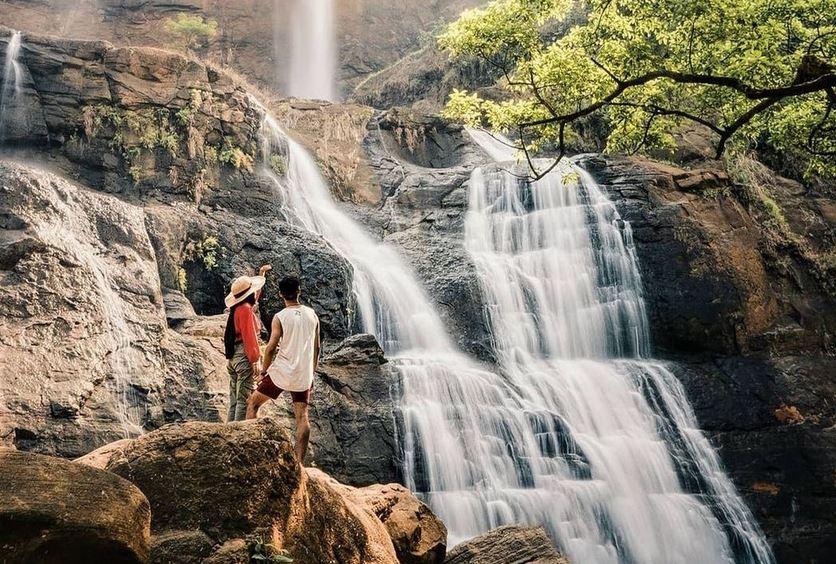 https: img.okezone.com content 2020 12 03 408 2320629 5-spot-wisata-geopark-ciletuh-destinasi-super-keren-di-sukabumi-untuk-liburan-akhir-tahun-XrZnsHHFcC.JPG