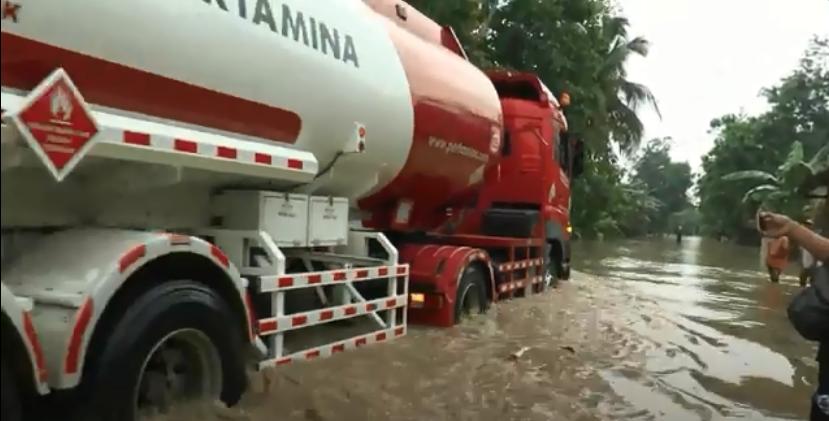 https: img.okezone.com content 2020 12 03 512 2320826 sungai-serayumeluap-jalan-nasional-banyumas-yogyakarta-putus-terendam-banjir-0BcpZAZ1mO.png
