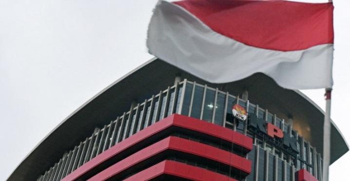 https: img.okezone.com content 2020 12 04 337 2321527 kpk-jemput-paksa-eks-direktur-garuda-indonesia-di-rumahnya-9qPST3j7eo.jpg