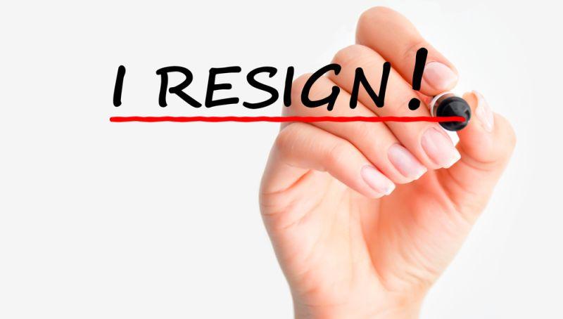 https: img.okezone.com content 2020 12 06 320 2322536 ingin-resign-tapi-ditolak-kantor-simak-5-caranya-di-sini-4W99tJfmVS.jpg
