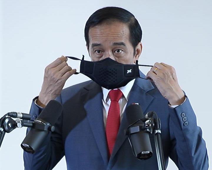 https: img.okezone.com content 2020 12 06 337 2322795 presiden-jokowi-30-juta-bahan-baku-vaksin-covid-19-tiba-di-indonesia-awal-2021-87dduof5ua.jpg