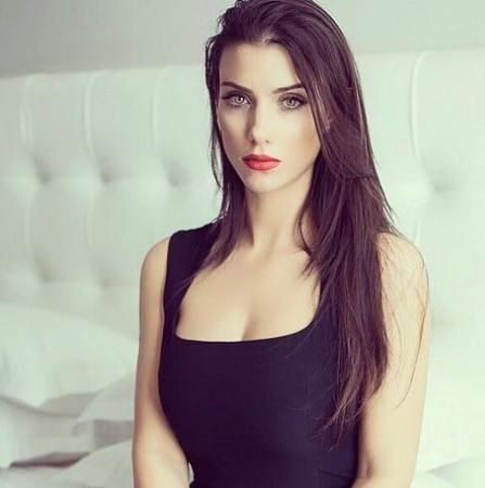 https: img.okezone.com content 2020 12 06 51 2322523 5-perempuan-cantik-yang-bikin-pesepakbola-jatuh-hati-nomor-1-kerap-unggah-foto-seksi-TUtA6O7ZuP.jpg