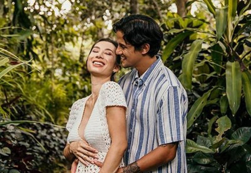 https: img.okezone.com content 2020 12 06 51 2322605 5-pesepakbola-indonesia-yang-nikahi-perempuan-supercantik-nomor-2-pacaran-singkat-S8nOY1vzTn.jpg