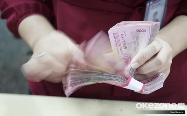 https: img.okezone.com content 2020 12 06 622 2322545 5-cara-kelola-keuangan-keluarga-dari-belanja-hingga-anak-sekolah-505RSBEIWq.jpg