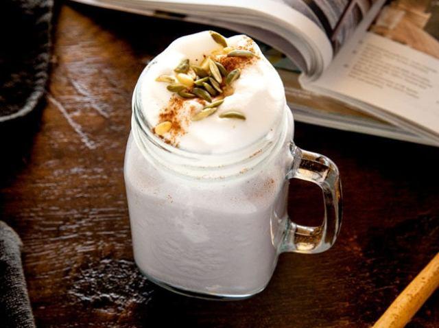 https: img.okezone.com content 2020 12 07 298 2323146 intip-cara-buat-goguma-latte-minuman-sehat-dari-korea-QmjPn2UNRB.jpg