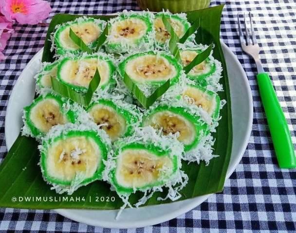 https: img.okezone.com content 2020 12 07 298 2323314 resep-lengkap-pisang-rai-khas-bali-lezat-dan-mudah-buatnya-rOVameMp1n.jpg