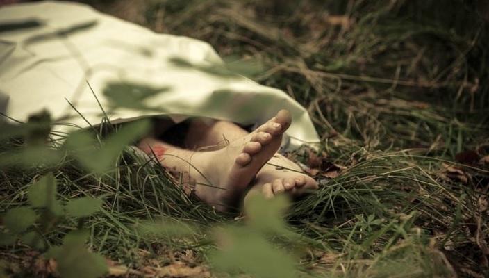 https: img.okezone.com content 2020 12 07 338 2323014 diduga-korban-mutilasi-potongan-tubuh-wanita-tergeletak-di-pohon-nrWgFhZ2Az.jpg