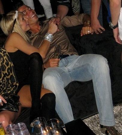 Hasil gambar untuk Cristiano Ronaldo dan Paris Hilton