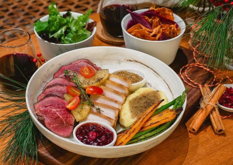 https: img.okezone.com content 2020 12 08 301 2323666 5-restoran-baru-buka-di-singapura-asyik-buat-libur-natal-dan-tahun-baru-jmQs2GYb3w.jpg