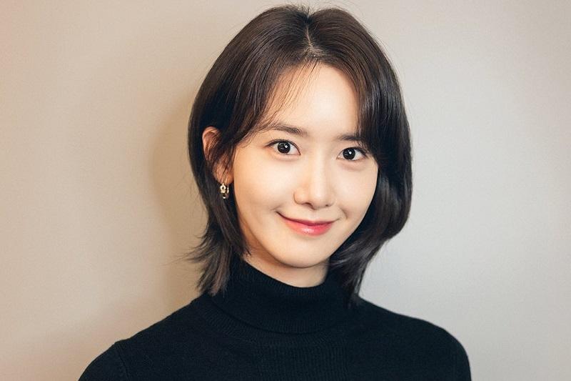 https: img.okezone.com content 2020 12 08 33 2324114 yoona-snsd-jadi-pasangan-kim-seon-ho-di-mbc-music-festival-2020-Cxs1aEUt4Q.jpg
