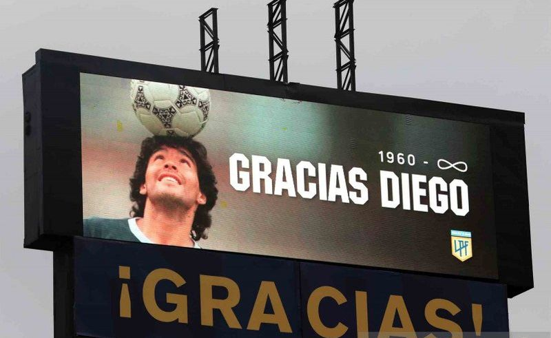 https: img.okezone.com content 2020 12 08 51 2323705 maradona-bakal-terpampang-di-uang-kertas-argentina-plmeczG0OV.jpg