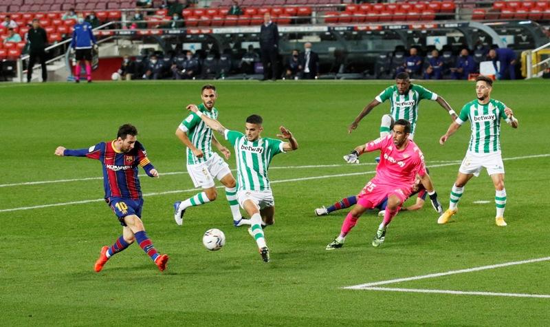 Pengertian Permainan Sepak Bola Dan Peraturan Singkat Yang Meliputinya Okezone Bola