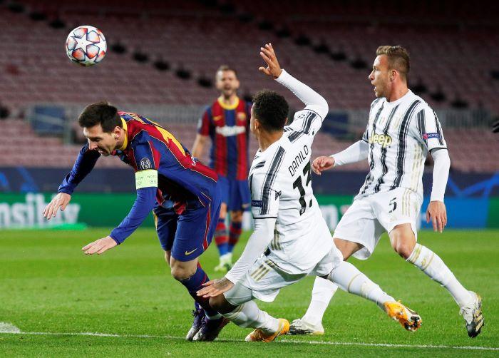https: img.okezone.com content 2020 12 09 261 2324212 hasil-liga-champions-semalam-man-united-gugur-juventus-hajar-barcelona-eeTBs6pV3g.JPG