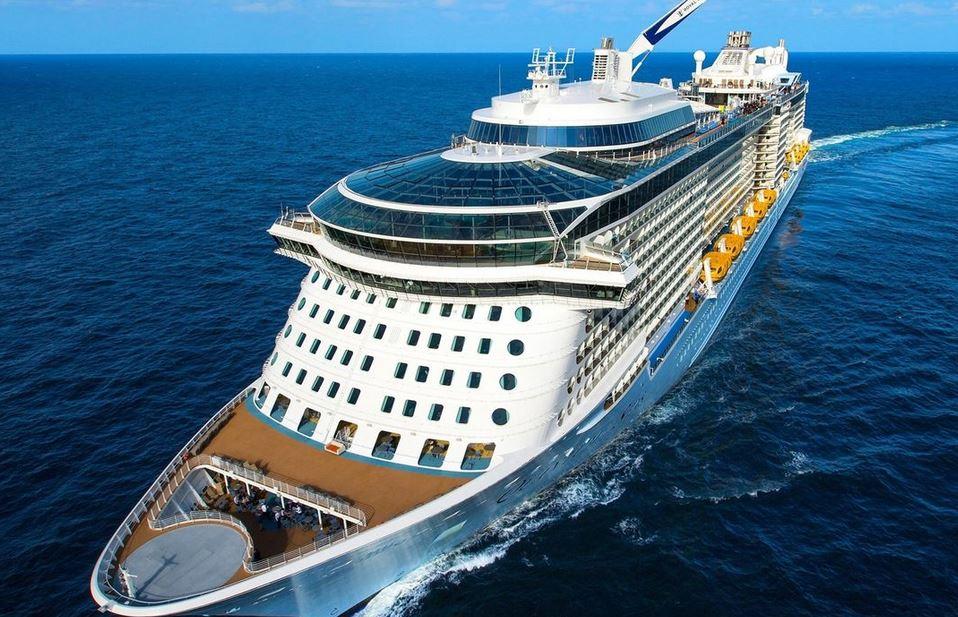 https: img.okezone.com content 2020 12 09 406 2324811 seorang-penumpang-kapal-pesiar-royal-caribbean-positif-corona-5oARPH9khV.JPG