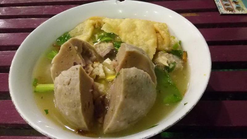 https: img.okezone.com content 2020 12 10 301 2325030 5-kuliner-di-yogyakarta-porsi-jumbo-dan-murah-meriah-0LCYeaEBRq.jpg