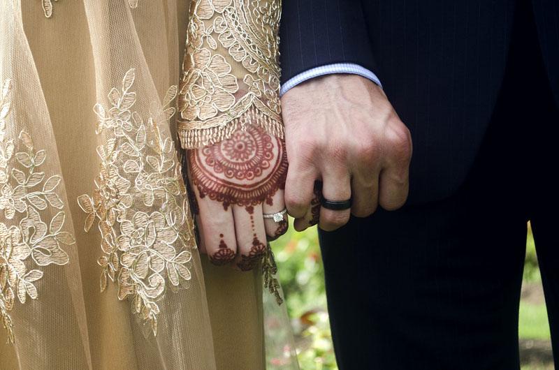 https: img.okezone.com content 2020 12 10 330 2325358 hukum-nikah-mut-ah-alias-kawin-kontrak-dalam-islam-boleh-atau-tidak-r6uSZL474p.jpg