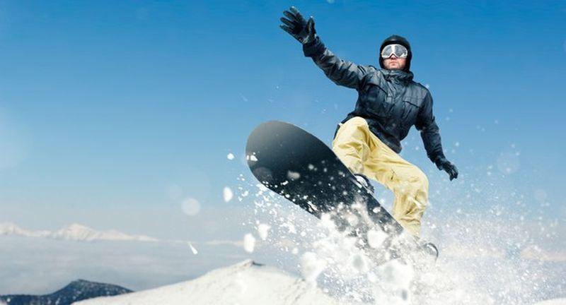 https: img.okezone.com content 2020 12 10 406 2325010 gara-gara-corona-traveler-tak-bisa-main-ski-saat-natal-fSHj4AKS46.jpg