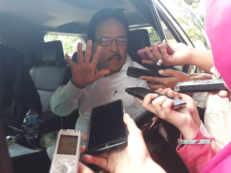 https: img.okezone.com content 2020 12 11 470 2326019 mafia-tanah-di-indonesia-luar-biasa-sofyan-djalil-itu-penjahat-enggak-benar-YV7qP5Bts2.jpg