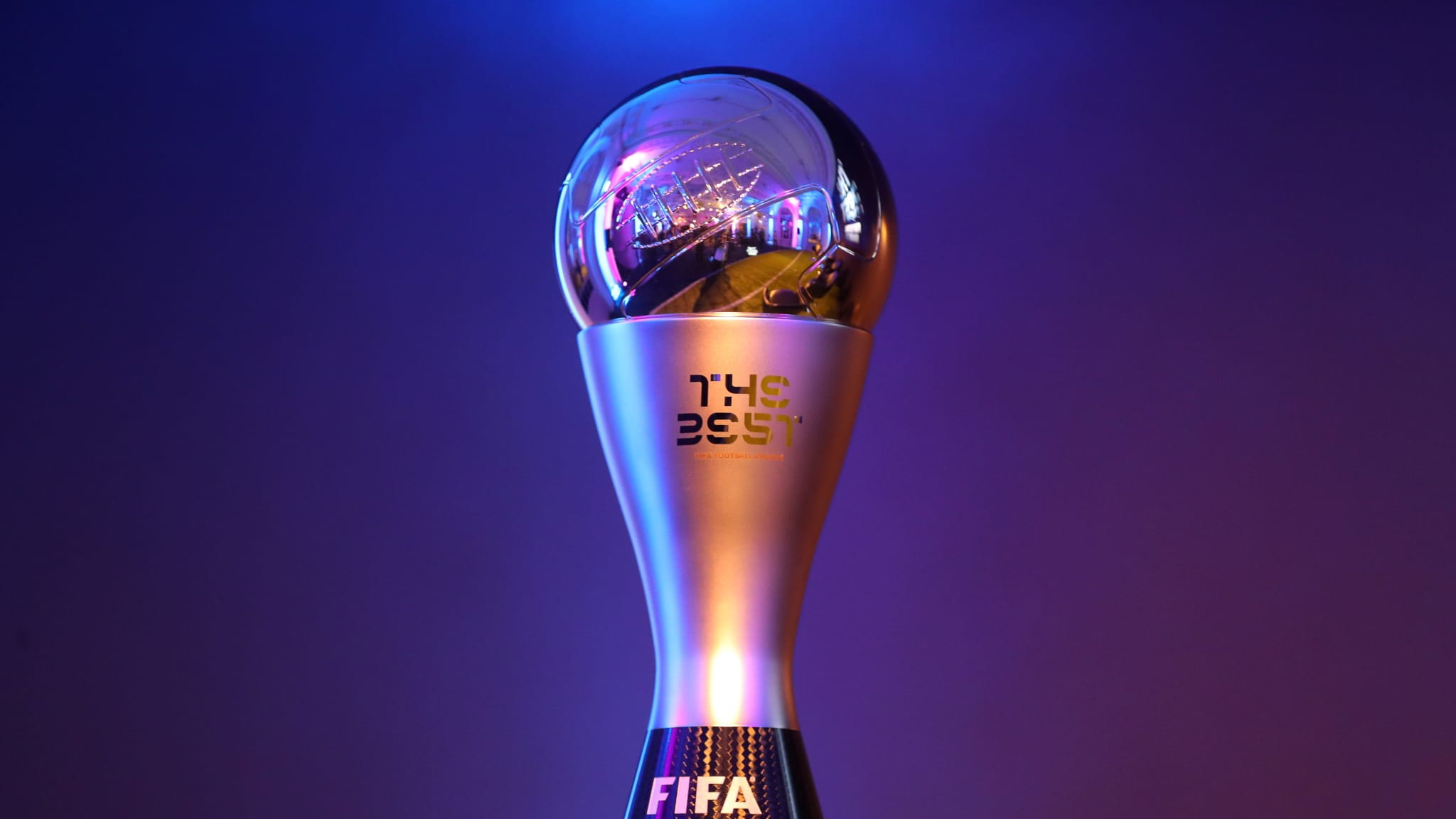 https: img.okezone.com content 2020 12 11 51 2325720 5-calon-pemain-terbaik-fifa-2020-per-desember-lewandowski-juaranya-5bCJLFqPal.jpg
