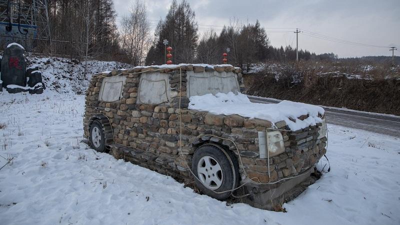 Kreatif, Petani di China Bikin Mobil dari Batu : Burkelandya Otomotif
