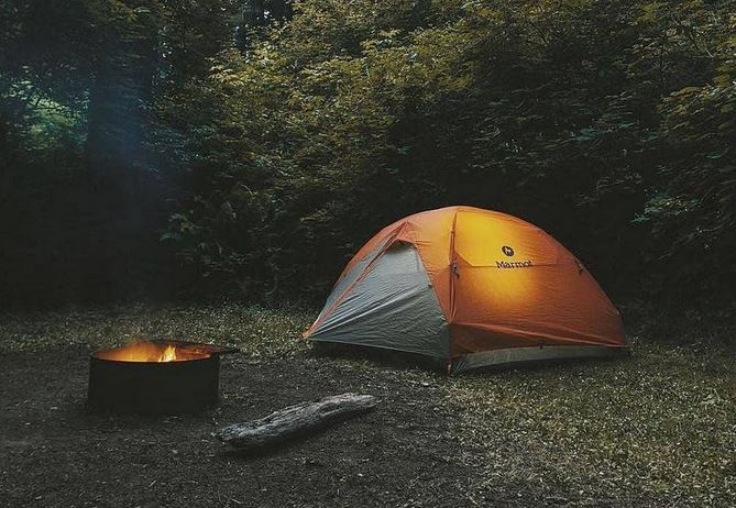 https: img.okezone.com content 2020 12 11 549 2325647 hendak-camping-pertama-kali-jangan-lupa-persiapkan-6-hal-penting-ini-yKka6xE5hh.JPG