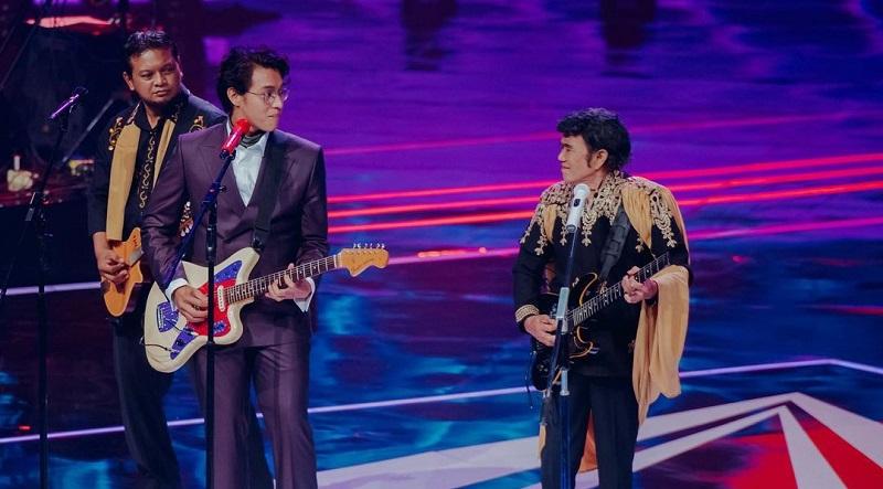 https: img.okezone.com content 2020 12 12 205 2326578 ikon-musik-indonesia-pujian-ardhito-pramono-untuk-rhoma-irama-yQWFXJH3LM.jpg