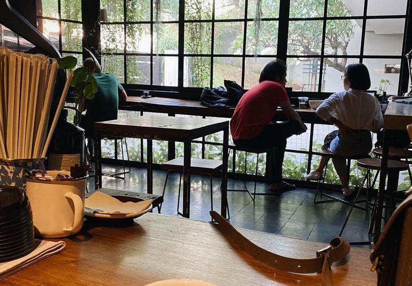 5 Rekomendasi Kafe dan Coffee Shop Asyik untuk Baca Buku ...