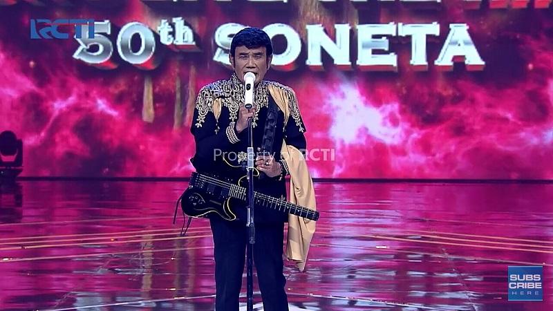 https: img.okezone.com content 2020 12 12 598 2326394 50-tahun-berkarya-di-industri-musik-tanah-air-rhoma-irama-tampil-memukai-di-long-live-the-king-50-tahun-soneta-TiNHJEqXId.jpg