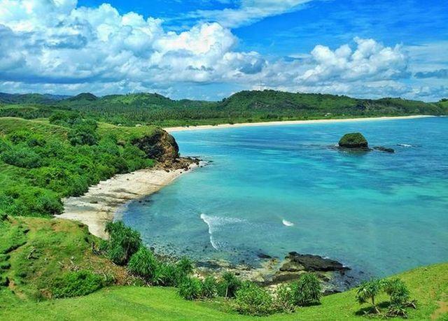https: img.okezone.com content 2020 12 13 406 2326770 yuk-ikuti-kompetisi-surfing-di-mandalika-lombok-16-18-desember-2020-8CuxdYO9tf.jfif
