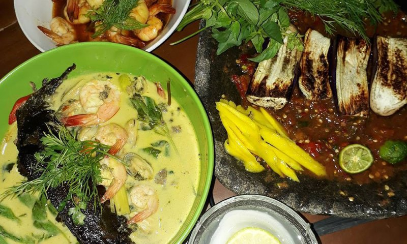 https: img.okezone.com content 2020 12 14 301 2327171 4-kuliner-lezat-khas-lampung-mana-kesukaanmu-7yJF4EnAmd.jpg