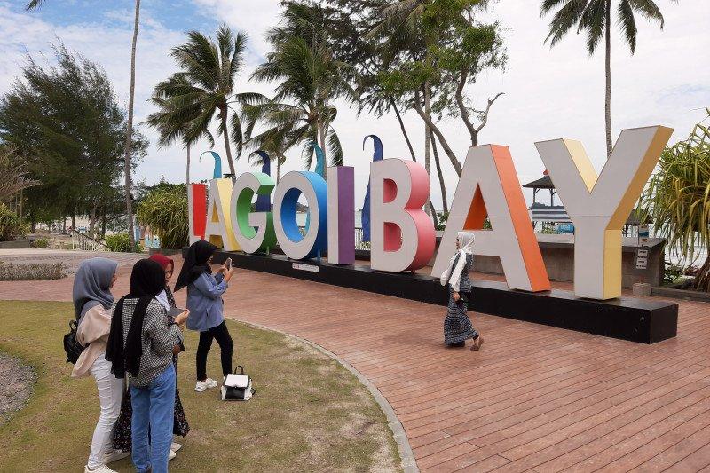 https: img.okezone.com content 2020 12 14 406 2327583 pulau-bintan-dibuka-untuk-wisatawan-mancanegara-februari-2021-jTkIwKwbzt.jpg