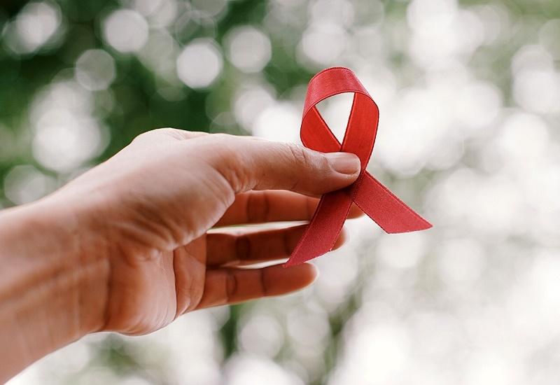 https: img.okezone.com content 2020 12 14 525 2327269 kasus-hiv-aids-di-kota-cirebon-meningkat-selama-pandemi-covid-19-e1UShj0vW2.jpg
