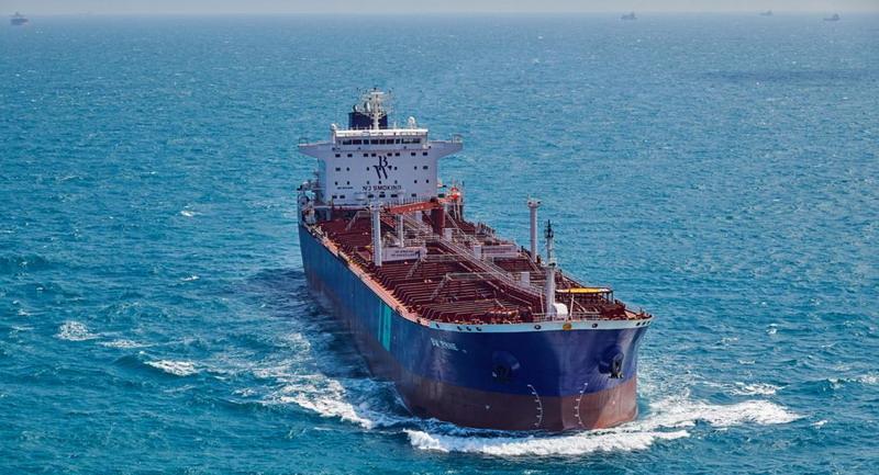 https: img.okezone.com content 2020 12 15 18 2327779 ledakan-di-kapal-tanker-berbendera-singapura-guncang-pelabuhan-jeddah-wUbB7ecD2f.jpg