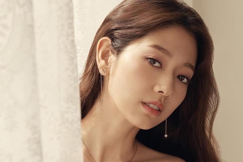 https: img.okezone.com content 2020 12 15 206 2328255 park-shin-hye-dan-cho-seung-woo-rampungkan-syuting-sisyphus-cJMPZKZy9v.jpg