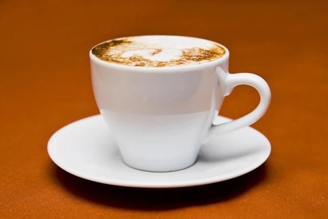 https: img.okezone.com content 2020 12 15 298 2328001 5-tips-ampuh-buat-kopi-rumahan-selezat-coffee-shop-kekinian-g4l7j4YExh.jpg