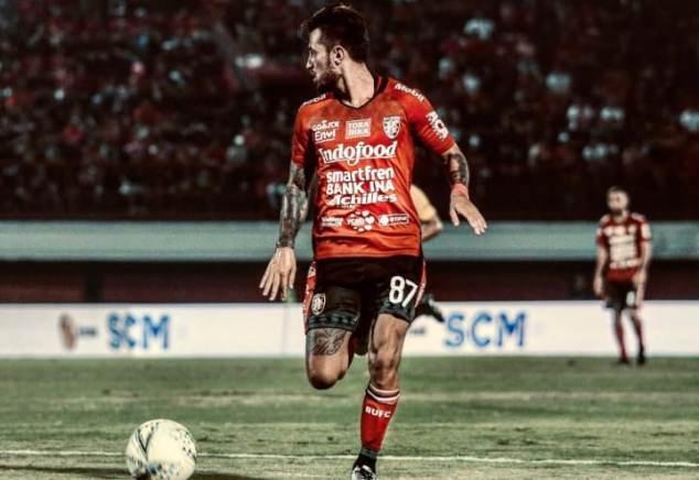 https: img.okezone.com content 2020 12 15 49 2328149 daftar-gaji-pemain-bola-indonesia-siapa-tertinggi-juqY6eD8Uk.jpg