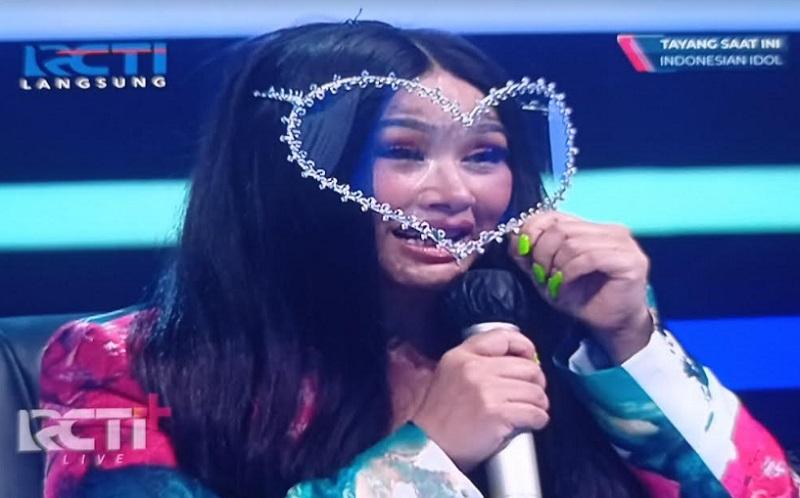 https: img.okezone.com content 2020 12 15 598 2327831 jadi-juri-tamu-titi-dj-pemenang-indonesian-idol-selalu-sukses-omB5zHLAvG.jpg