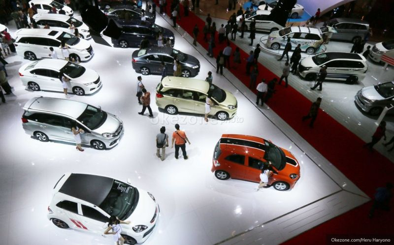 Penjualan Mobil Jelang Akhir Tahun Naik 9,8% : Burkelandya Otomotif