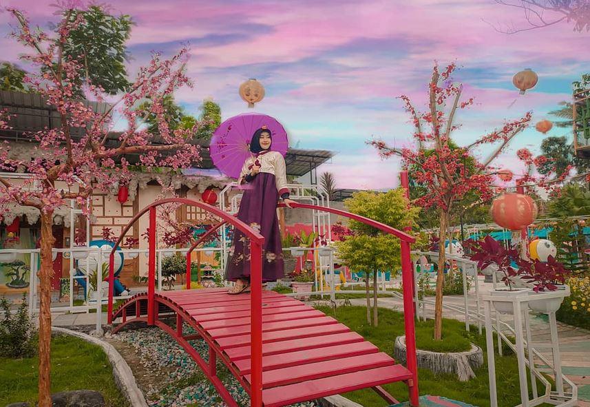 Istana Sakura Wisata Kekinian Bernuansa Negeri Samurai Di Blitar Okezone Travel