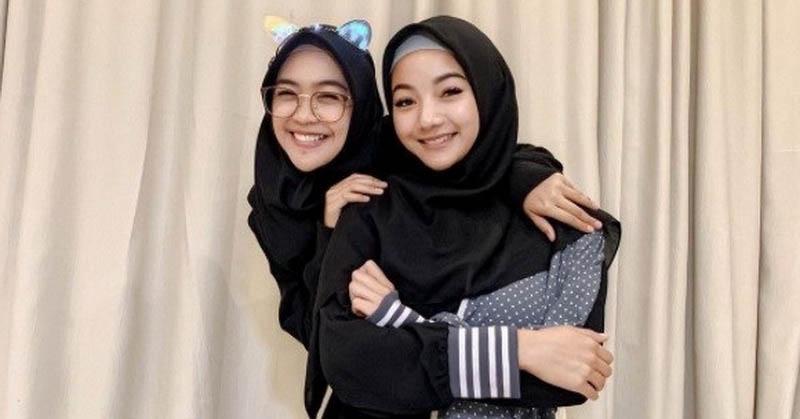https: img.okezone.com content 2020 12 17 614 2329652 glenca-tampil-pakai-hijab-bareng-ria-ricis-netizen-sejak-kapan-bidadari-ada-di-bumi-KqpdqJMHAH.jpg