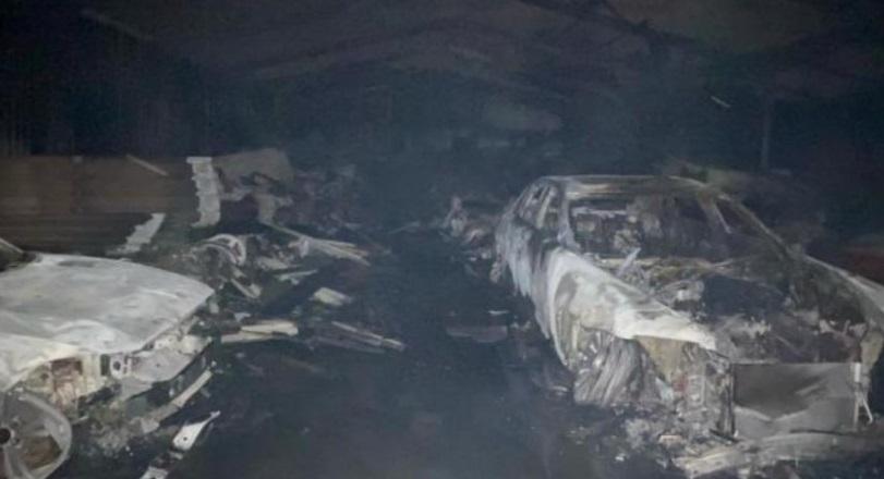 Garasi Terbakar, 80 Mobil Antik Senilai Ratusan Milar Rupiah Ludes : Burkelandya Otomotif