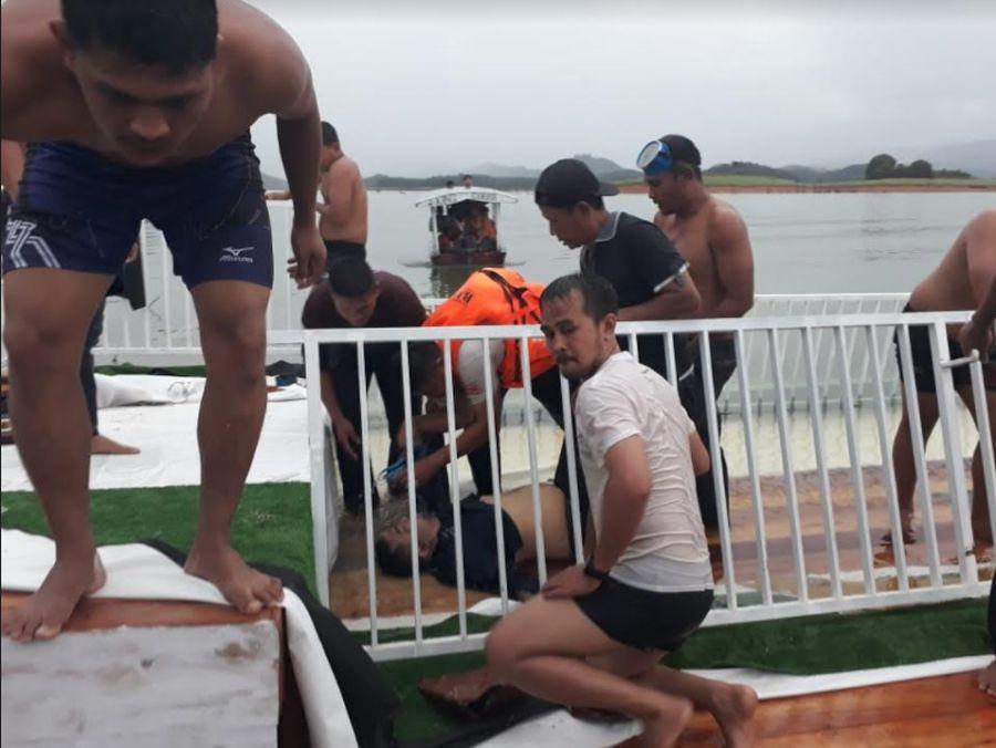 https: img.okezone.com content 2020 12 19 340 2330802 kapal-wisata-angkut-40-penumpang-terbalik-1-orang-tewas-F5qtgNI9hP.jpg