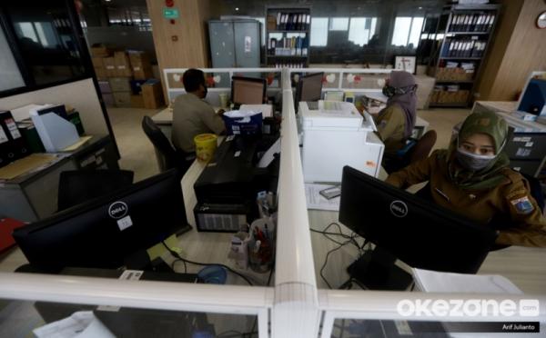 https: img.okezone.com content 2020 12 20 320 2330917 gaji-pns-indonesia-dirombak-ini-beda-dengan-china-hingga-as-dHw7gFrrfh.jpg