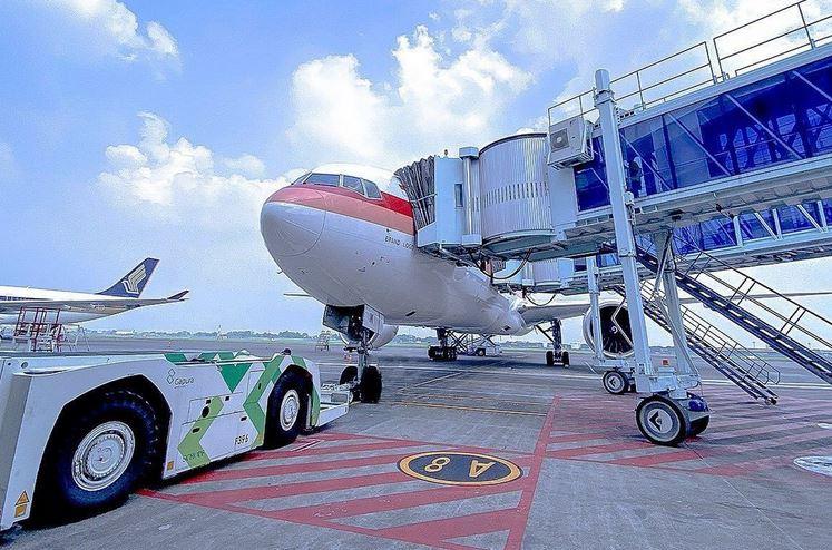 https: img.okezone.com content 2020 12 20 406 2330914 jelang-libur-nataru-2-maskapai-ajukan-penambahan-flight-di-bandara-juanda-HDrr2LZXvW.JPG