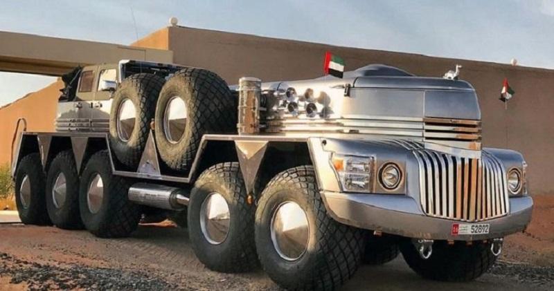 https: img.okezone.com content 2020 12 21 15 2331603 ini-kendaraan-suv-terbesar-di-dunia-gabungan-truk-militer-dan-jeep-w6kUVqP8Rb.jpg