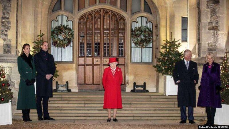 https: img.okezone.com content 2020 12 21 18 2331203 perayaan-natal-tradisional-ratu-inggris-terhalang-pembatasan-covid-19-0g5cdcBiRj.jpg