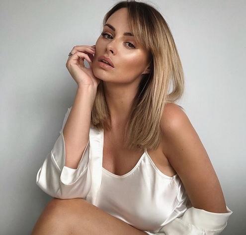 Intip si Seksi Rhian Sugden, Model Lingerie yang Pernah Digoda Cristiano  Ronaldo : Okezone Bola